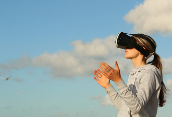 The Differences Between Augmented Reality and Virtual Reality