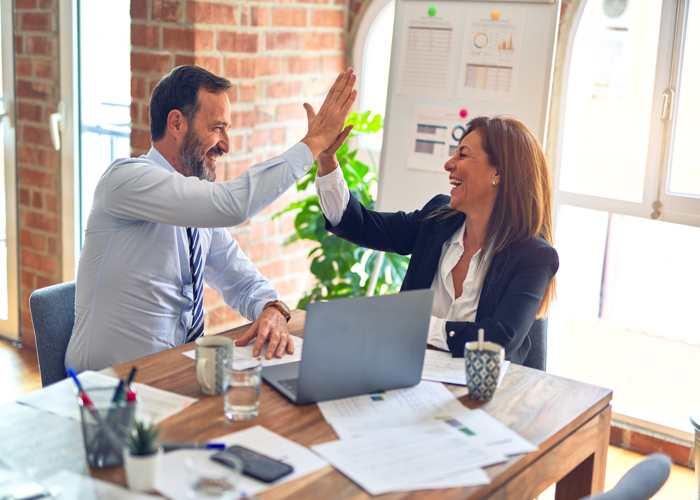 How to Manage a Hybrid Team for your Business